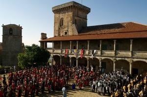 Los defensores del castillo preparandose